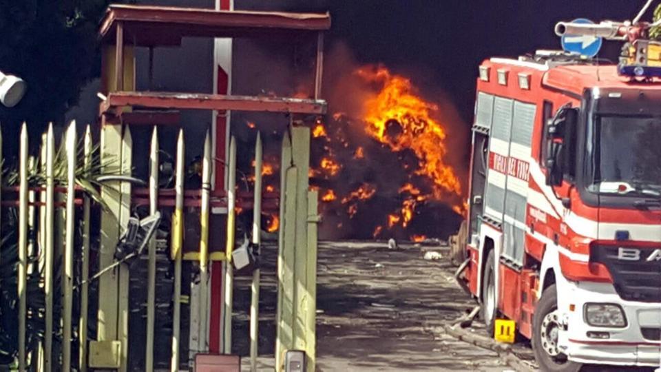 5 maggio 2017 - Incendio a Pomezia