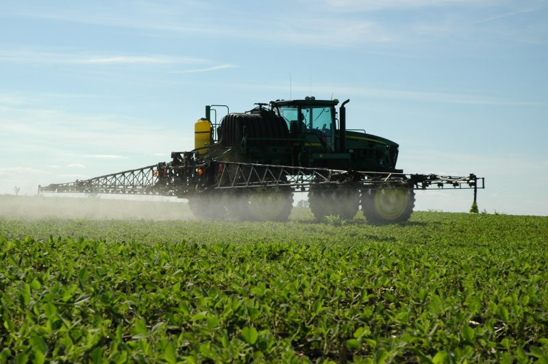 ¿Podría el reloj biológico de las plantas indicarnos el mejor momento para fumigar un cultivo?