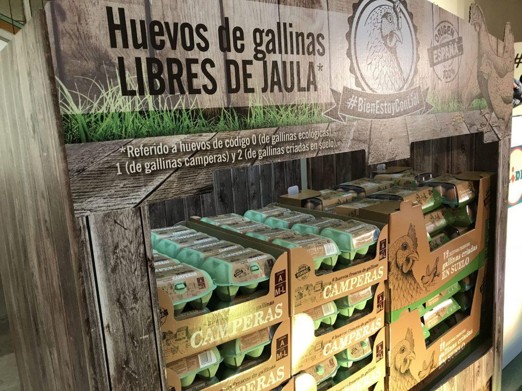 Los españoles no quieren las gallinas enjauladas