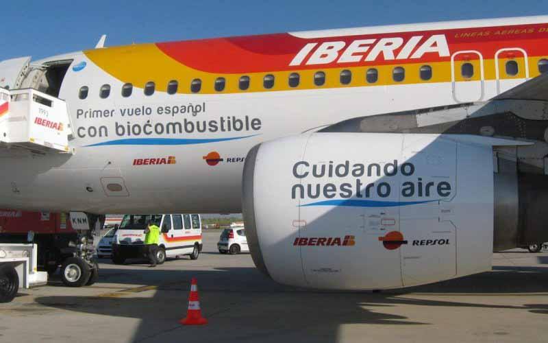 Repsol produce por primera vez en España biocombustible para aviones