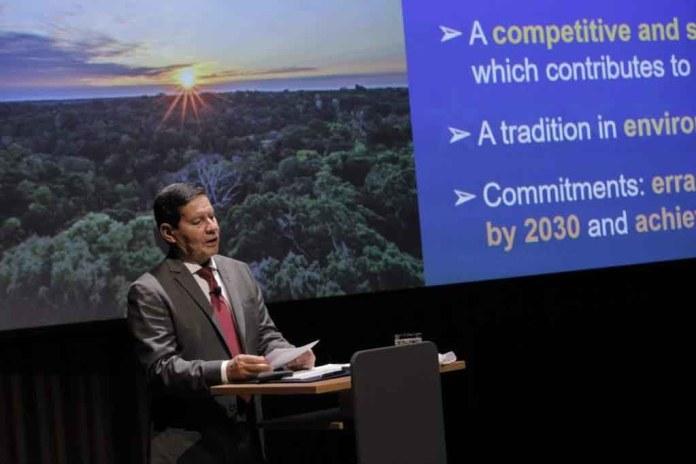 Hamilton Mourão_ El vicepresidente de Brasil invita a las empresas a invertir en bioeconomía