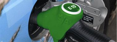 SP95-E10-moteur-essence-une-compatibilite-qui-roule-!