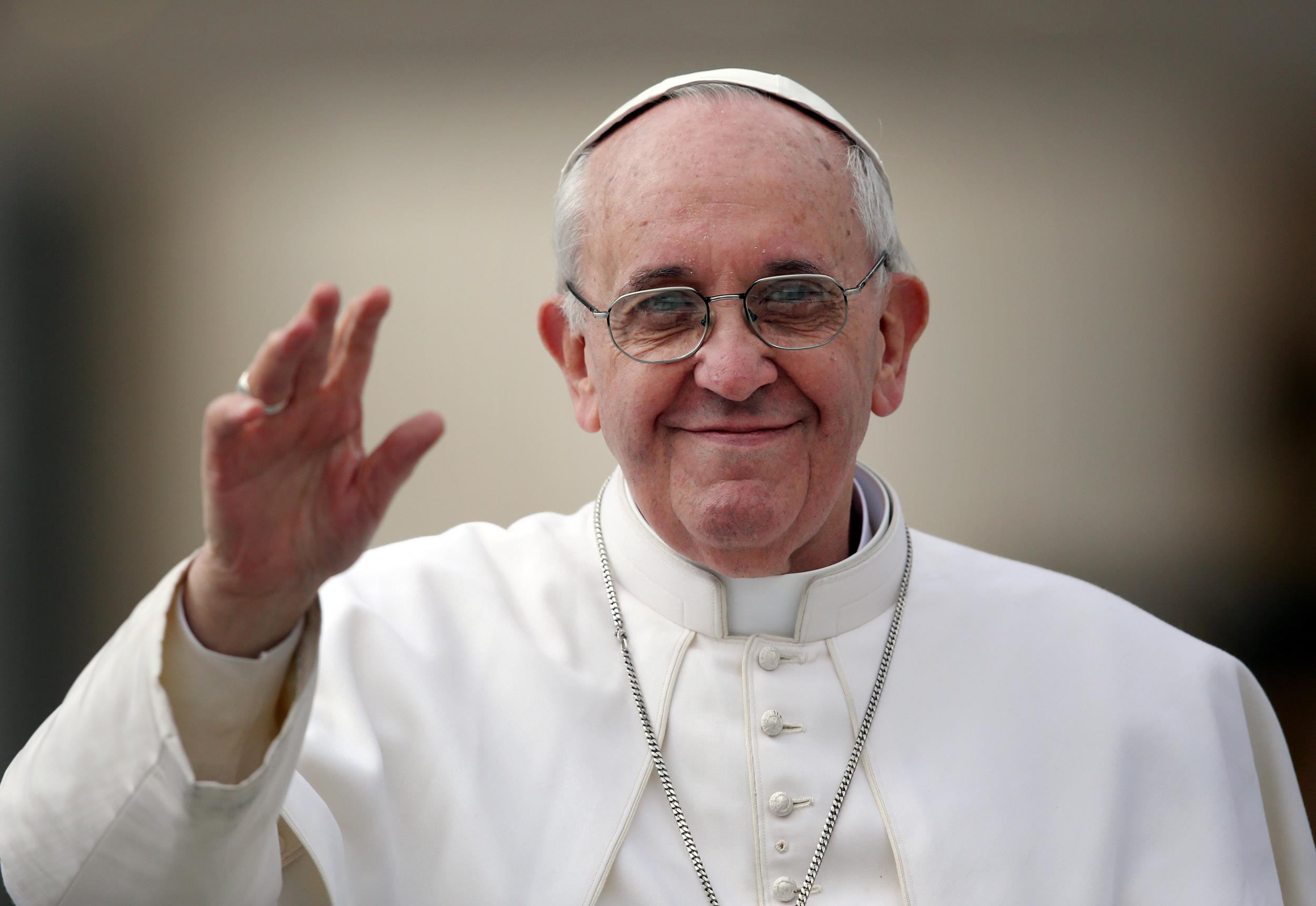 Pope Francis issues cautious statements about GMOs