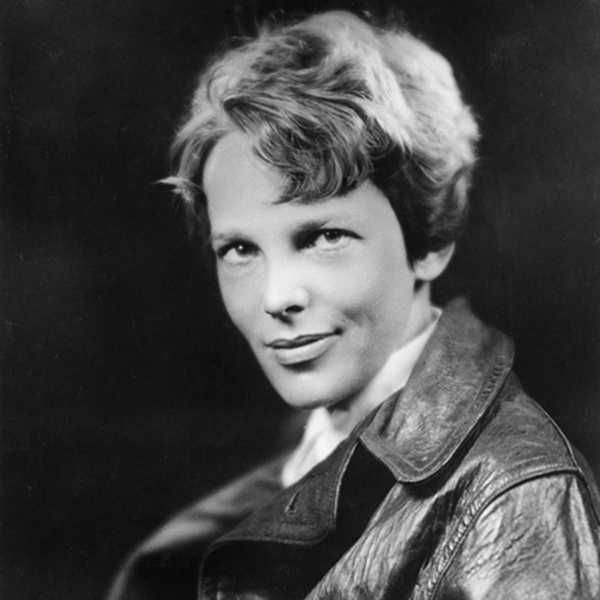 hight resolution of Amelia Earhart - Disappearance