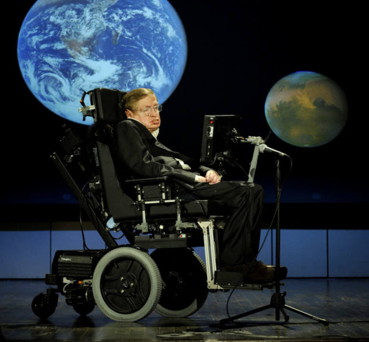 7 Fascinating Facts About Stephen Hawking - Biography