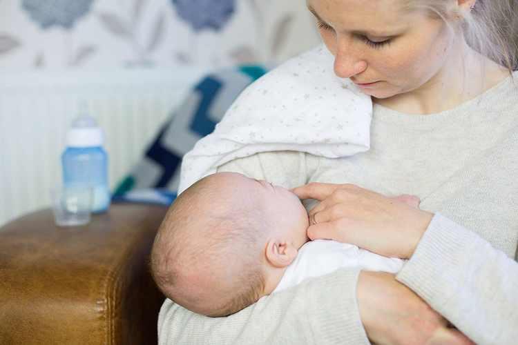 Quelle couverture d'allaitement choisir ?