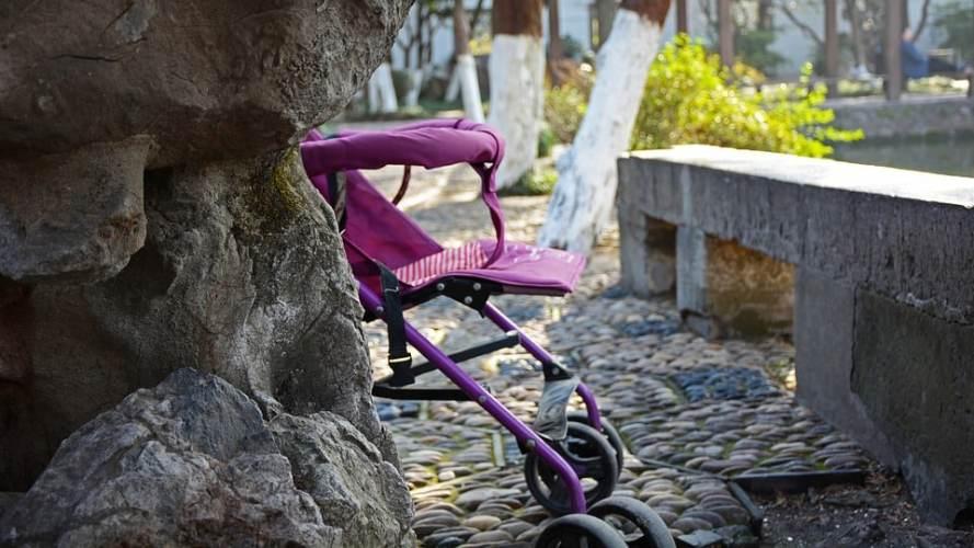 Poussette : Les accessoires indispensables pour le confort du bébé ?