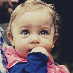 alimentation et poussée dentaire bebe