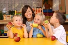 Recomiendan a los padres desayunar con los hijos