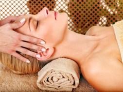 Masaje facial linfático y muscular para Rejuvenecer
