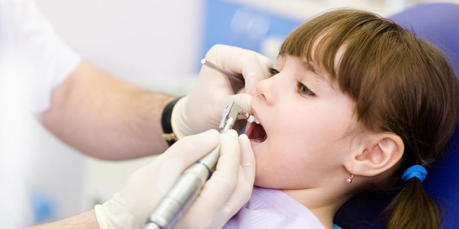 兒童牙科門診鎮靜 睡醒一口蛀牙治好了