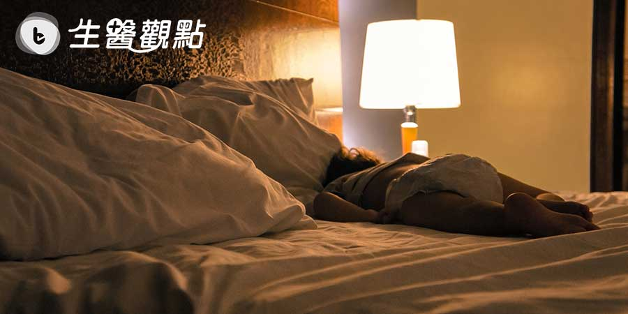 JAMA子刊扎心研究:哪怕不嘴饞,晚上睡覺不關燈也能胖10斤!