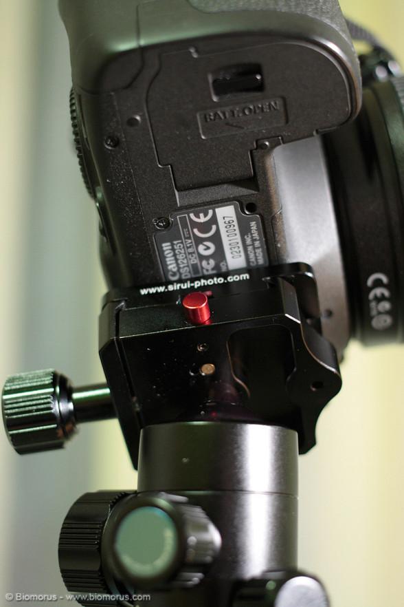 Per rilasciare la piastra bisogna agire sul pulsante rosso, il cui colore ben ne descrive la funzione...