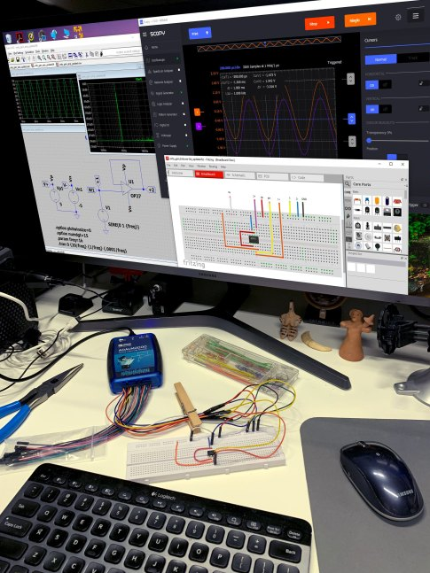 ADALM2000 Active Learning Module with Breadboard and Software Tools