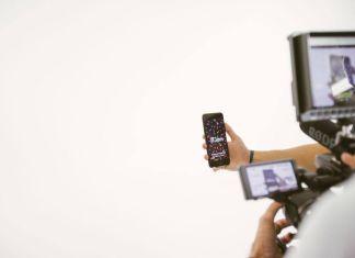 Jam, arriva l'app che trasforma l'iPhone in uno strumento musicale [VIDEO]