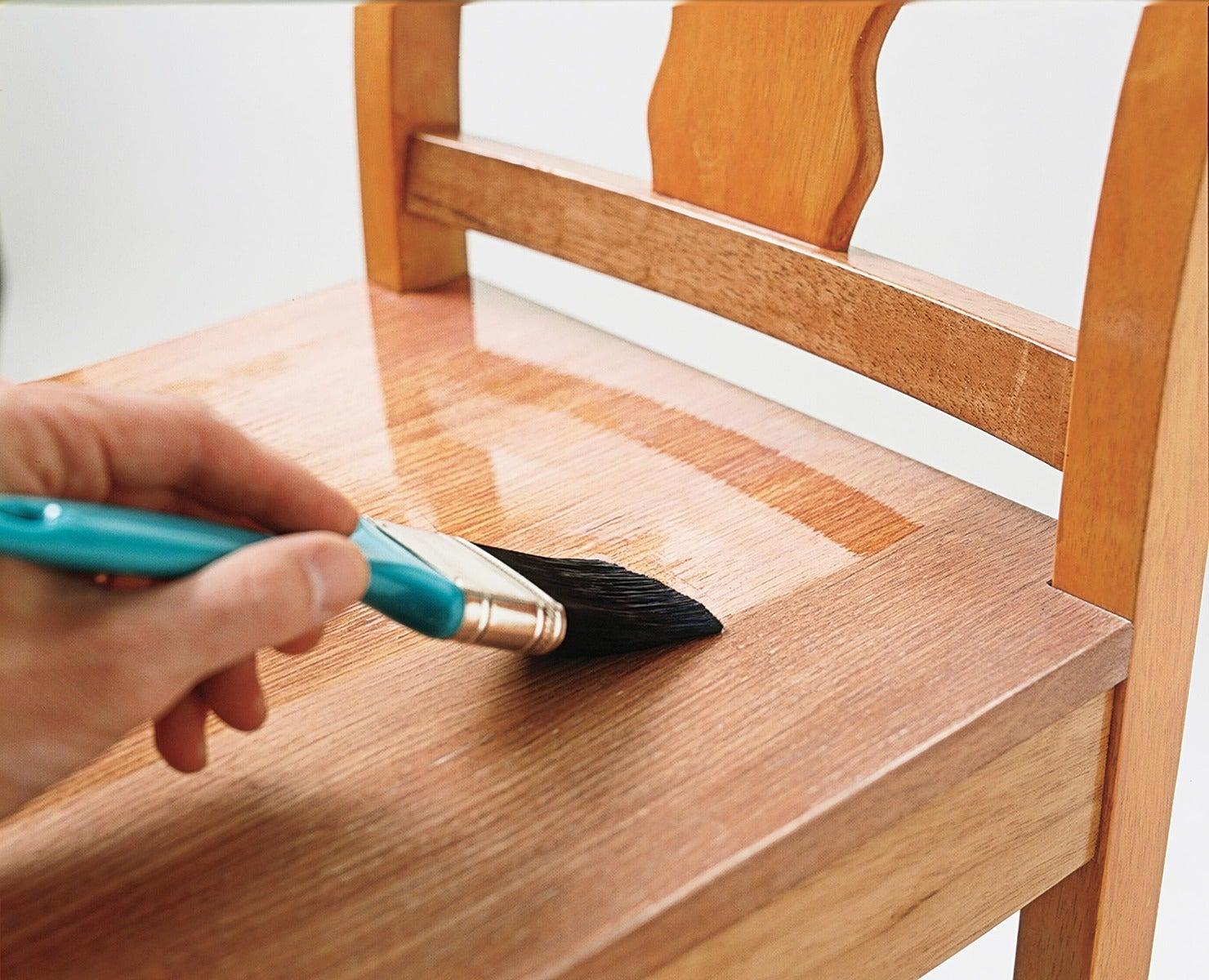 meremajakan furniture kayu