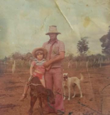 Aos 3 anos de idade, na fazenda dos avós, Alexandre Marinho já montava bezerros.