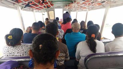 Meio de transporte para Autazes, no rio Solimões.