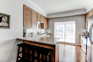 99TheQueensway#42_006