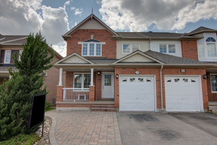 53MapleRidge-EXT_001