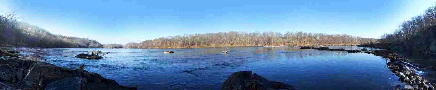 Potomac panorama from water level