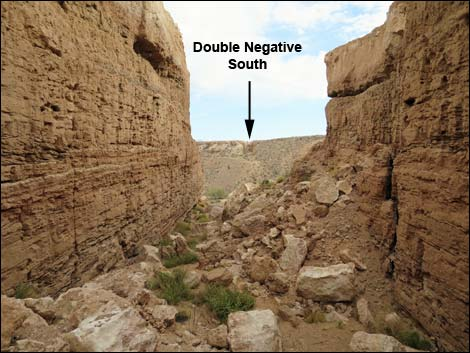 Hiking Around Las Vegas, Lake Mead area, Double Negative