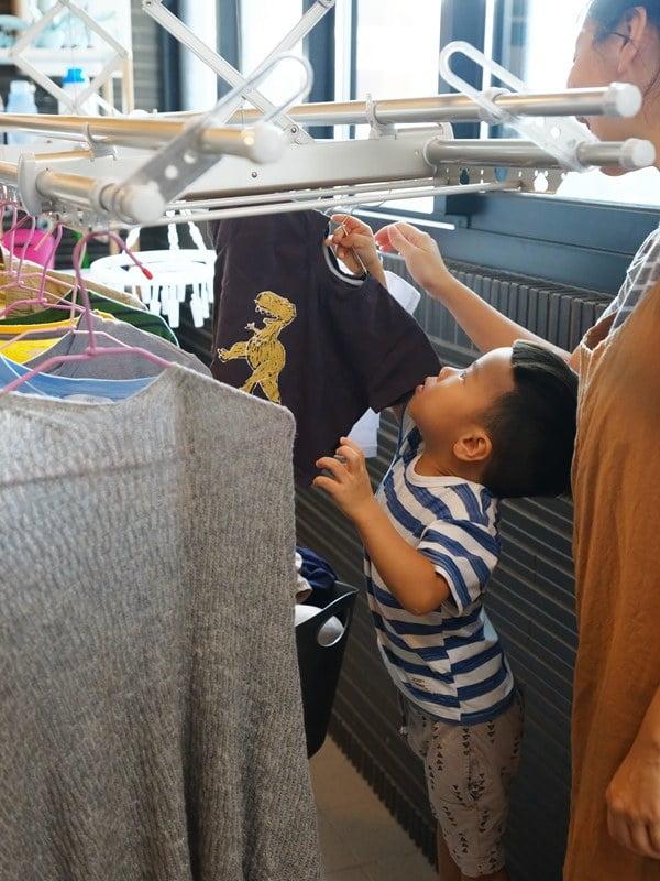 鳥家裝潢&傢俱分享。HCG和成旗艦烘乾款電動曬衣機=曬衣架+烘衣機(大小陽臺都適用) – 鳥先生&鳥夫人