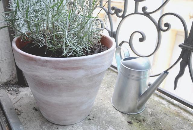 Diy Customiser Ses Pots De Fleurs En Terre Cuite