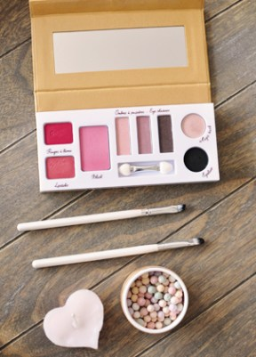 Jolie palette de make-up bio Couleur Caramel