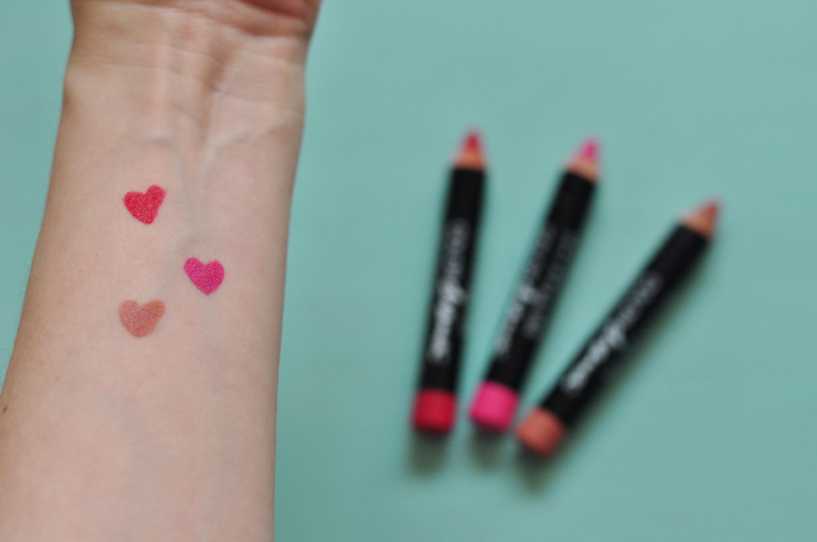 Avis Maybelline Color Drama crayons et Swatch