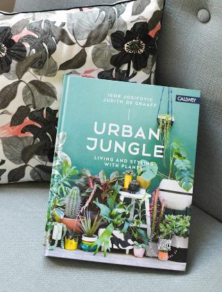 diy customiser ses pots de fleurs en terre cuite. Black Bedroom Furniture Sets. Home Design Ideas