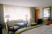Threadneedles Hotel - London Birds And
