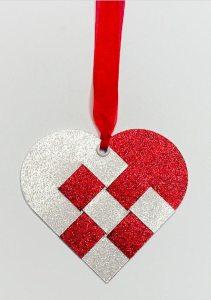 scandinavian heart tag