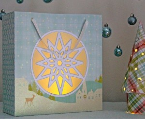 snowflake-window-gift-bag-lit