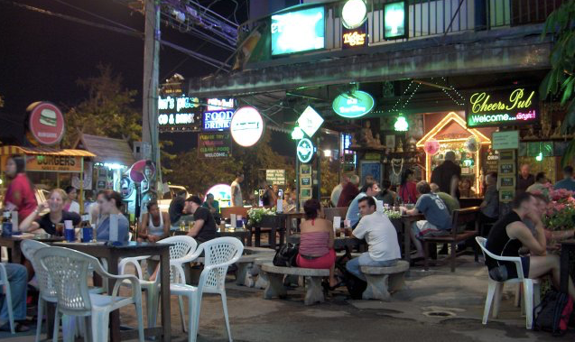 Chiang Mai bars at night