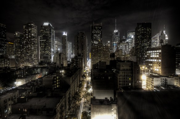 New York City at night. Photo by Paulo Barcellos Jr. From From Wikimedia Commons https://commons.wikimedia.org/wiki/File:New_York_at_Night_(2947117302).jpg?uselang=en-gb