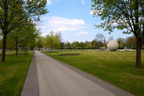 Bild: Der Park an der Herrenbreite in Aschersleben. Aufnahme vom 17.04.2011 mit Nikon D300S und SIGMA 10-20mm F3.5 EX DC HSM.