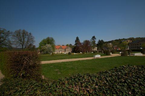 Bild: Im Garten des Kleinen Schlosses zu Blankenburg im Harz. Aufnahme vom 18.04.2011 mit Nikon D300S und SIGMA 10-20mm F3.5 EX DC HSM.