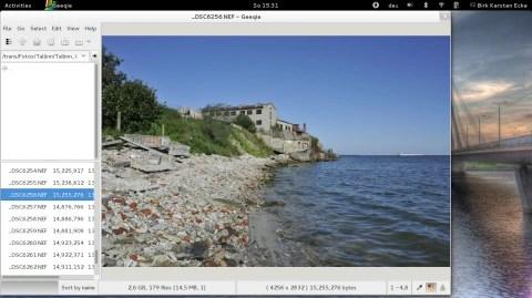 Bild: Der RAW Konverter und Bildbetrachter Geeqie unter openSuSE 12.3 auf einem Acer Aspire One 756.