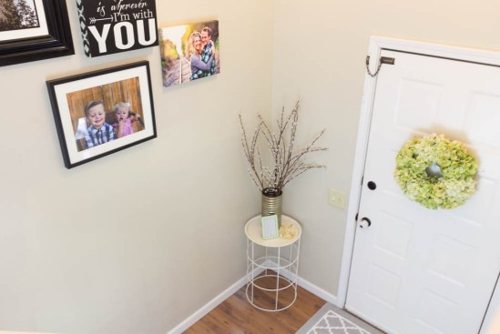 How to decorate a small entryway, small entryway ideas, small entryway decor, small entryway table, small entryway, small entry, decorating a small entryway, how to decorate a split level entryway