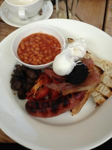 Fig and Olive Full English Breakfast