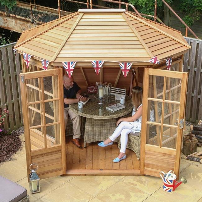 Alton Cedar Summerhouse  Chatsworth 6 x 8 PLUS Octagonal