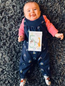 Happy baby – Birth, Baby & You – Dee Bell – Lactation Consultant for Kent, Surrey & Sussex