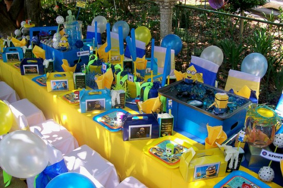 Minions Birthday Party Decoration Ideas Table Setting