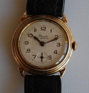 1943 Precista 9ct gold watch
