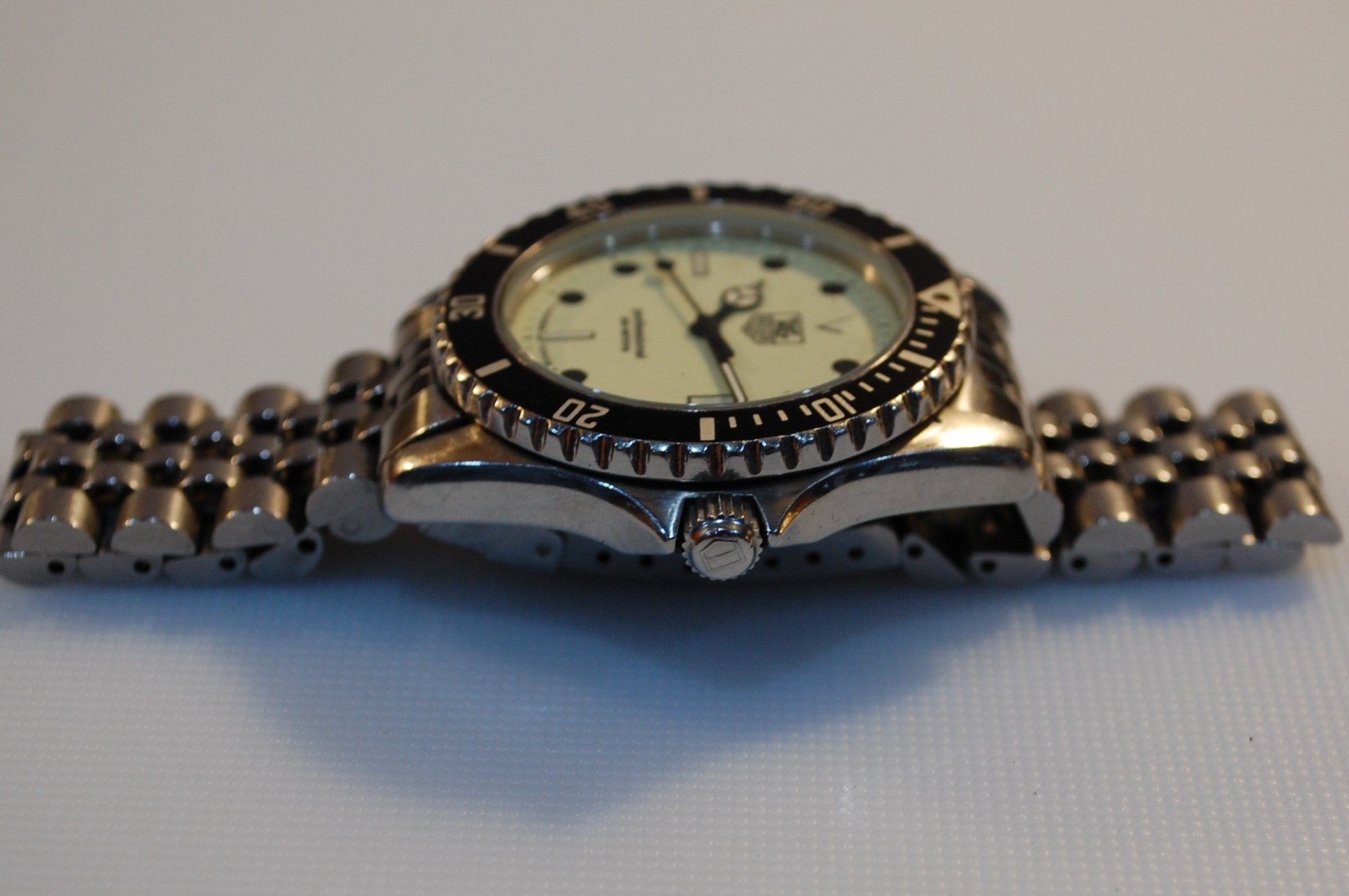 wholesale dealer 7b49a 23578 SOLD 1991 Tag Heuer 1000 with box and papers - Birth Year ...