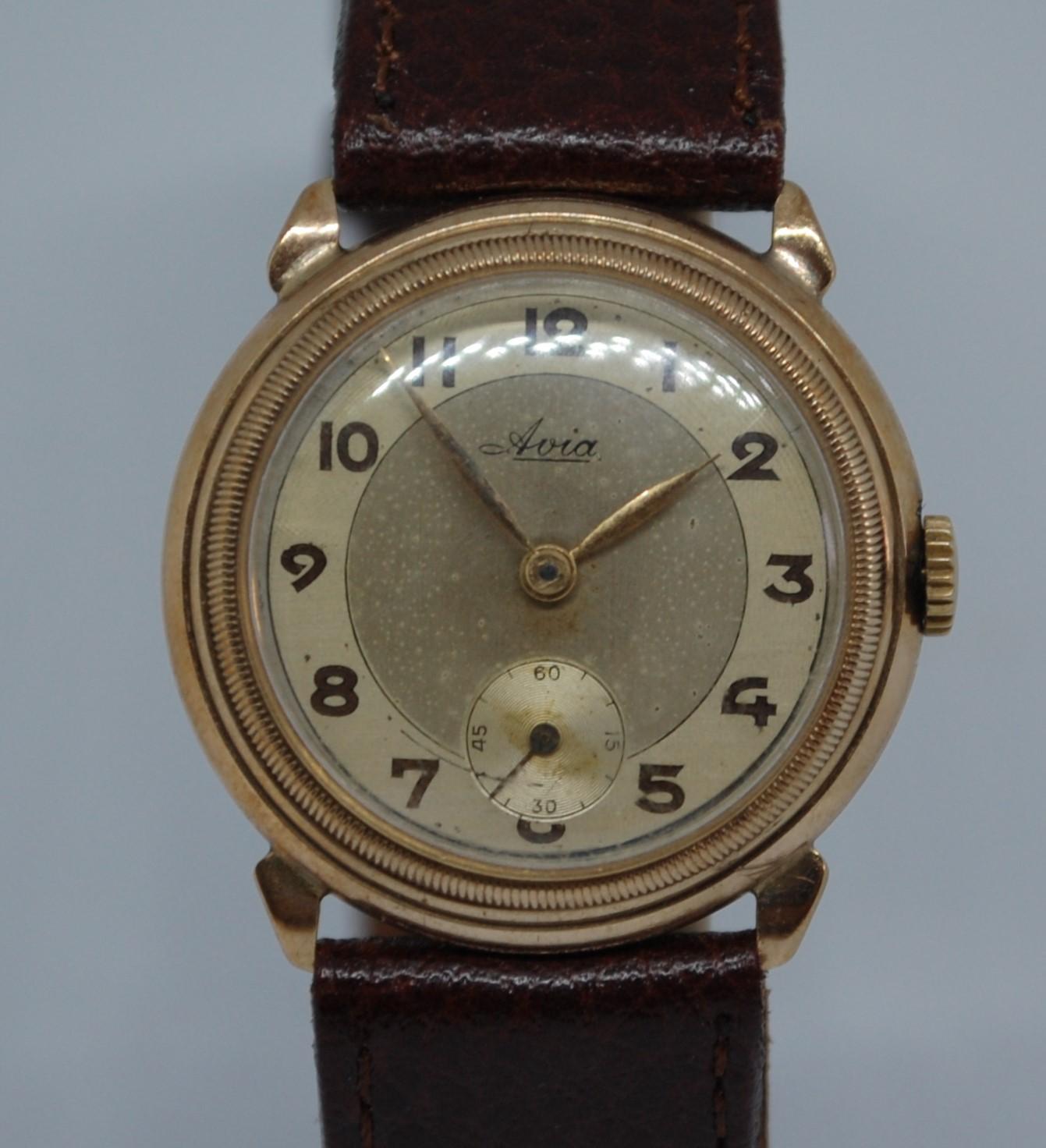 1944 1945 Avia men's 9k gold watch