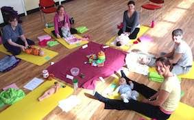 birthzang mum baby yoga reading 1