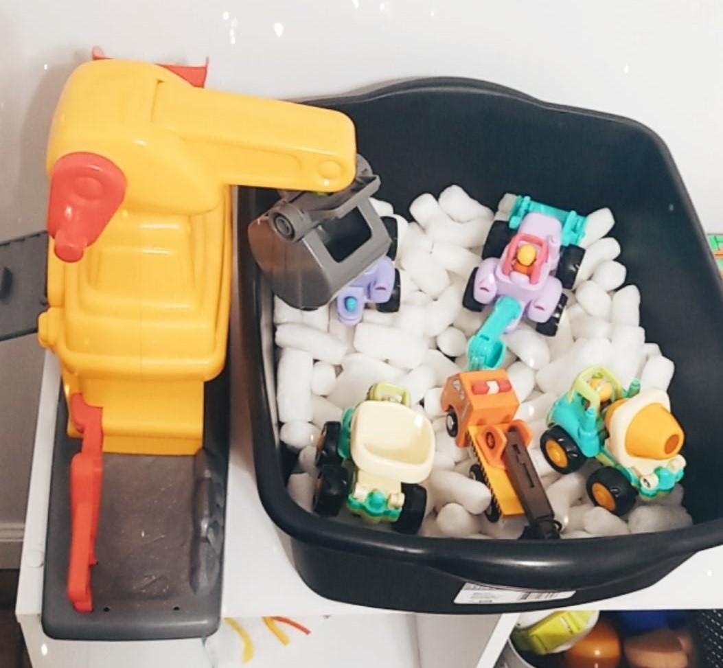 construction packing peanut sensory bin week 1 preschool homeschool