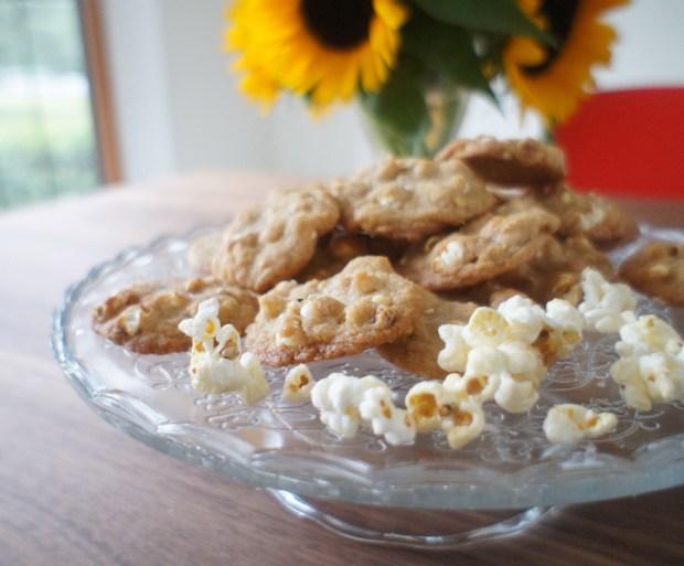 cookies on platter w/ popcorn